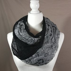 Accessories - BOGO⚡black and grey infinity scarf